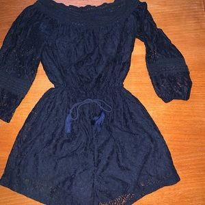 Euc Hollister navy lace romper